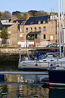 Saint-Valery-en-Caux lies between Dieppe and Fecamp and its attractive harbour welcomes hundreds of pleasure boats and a few remaining fishing boats every year
