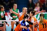 05.10.2019, Halle Berg Fidel, Muenster<br />Volleyball, Bundesliga Frauen, Normalrunde, USC MŸnster / Muenster vs. Allianz MTV Stuttgart<br /><br />Jubel Martina Samadan (#12 Stuttgart), Celine van Gestel (#7 Stuttgart), Roosa Koskelo (#1 Stuttgart), Cansu Aydinogullari (#17 Stuttgart), Alexandra Lazic (#11 Stuttgart)<br /><br />  Foto © nordphoto / Kurth