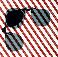 POLARIZED LIGHT<br /> Polarized Sunglass Visors At 90 Degree Angle<br /> (3 of 4)<br /> When lenses are at a 90 degree angle to each other, there is no transmission of light. The intensity of light transmitted through 2 polarizers depends on the relative orientation of their transmission axes.