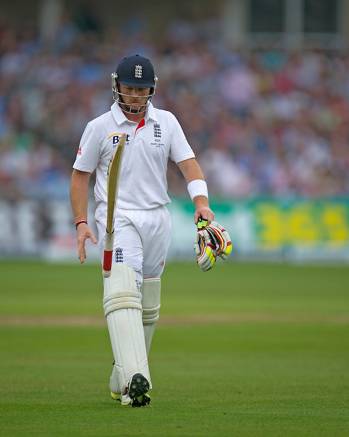 England's Ian Bell walks back to the pavilion after his dismissal - IR Bell c Watson b Siddle 25<br /> <br />  (Photo by Stephen White/CameraSport) <br /> <br /> International Cricket - First Investec Ashes Test Match - England v Australia - Day 1 - Wednesday 10th July 2013 - Trent Bridge - Nottingham<br /> <br /> &copy; CameraSport - 43 Linden Ave. Countesthorpe. Leicester. England. LE8 5PG - Tel: +44 (0) 116 277 4147 - admin@camerasport.com - www.camerasport.com