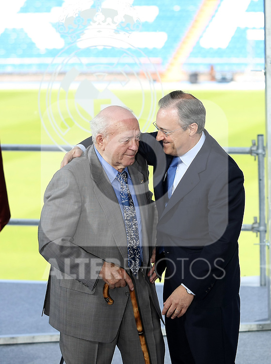 Real Madrid's new President Florentino Perez and the Honor President Alfredo Di Stefano.June 1 2009. (ALTERPHOTOS/Acero).