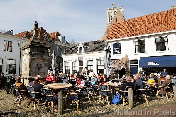 Nederland Brielle  2016.  Terras in Brielle.  Foto Berlinda van Dam / Hollandse Hoogte