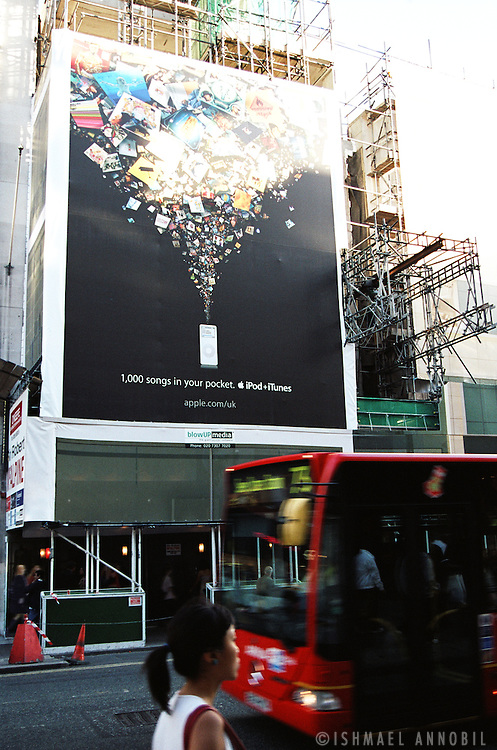 iPOD AD, LONDON