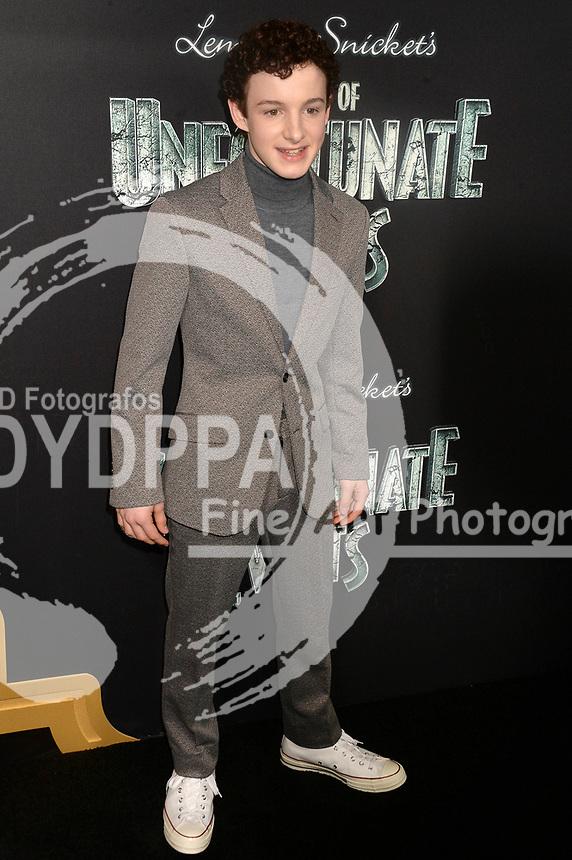 Louis Hynes bei der Premiere der zweiten Staffen der Netflix TV-Serie 'A Series of Unfortunate Events / Eine Reihe betrüblicher Ereignisse' im Metrograph. New York, 29.03.2018