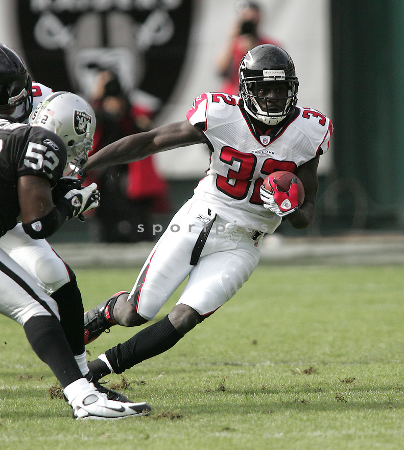 JERIOUS NORWOOD, of the Atlanta Falcons, in action against the Oakland Raiders during the Falcons  game in Oakland,CA on Novmeber 2, 2008. ..Falcons win 24-0