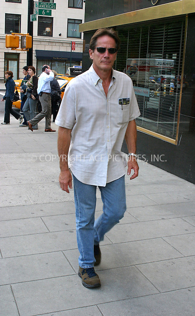 WWW.ACEPIXS.COM . . . . .***EXCLUSIVE!!! FEE MUST BE NEGOTIATED BEFORE USE!!!***....NEW YORK, MAY 31, 2005....Peter Strauss seen walking across midtown.....Please byline: PAUL CUNNINGHAM - ACE PICTURES..... *** ***..Ace Pictures, Inc:  ..Craig Ashby (212) 243-8787..e-mail: picturedesk@acepixs.com..web: http://www.acepixs.com