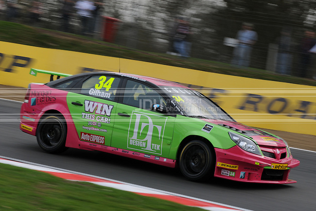 Tony Gilham - 888 Racing with Collins Contractors Vauxhall Vectra