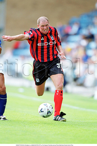 ROBERT TAYLOR, Gillingham 0 v MANCHESTER CITY 3, Pre-Season Friendly 000729. Photo:Matthew Clarke/Action Plus...2000.Soccer.Premier league.football.english club clubs.association.premiership
