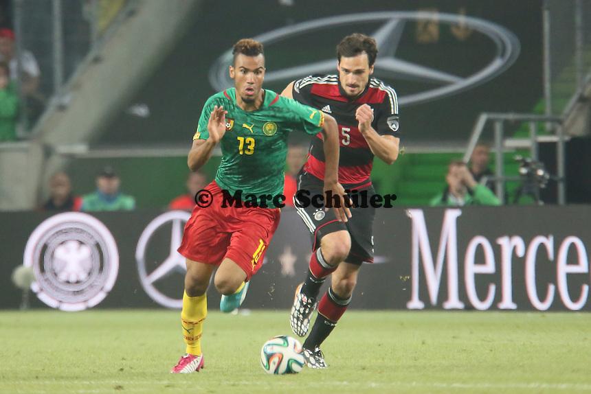 Eric-Maxim Choupo-Moting (CAM) gegen Mats Hummels (D) - Deutschland vs. Kamerun, Mönchengladbach