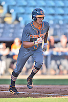 Tennessee Volunteers designated hitter Dominick Cammarata (21) runs to first during a game against the UNC Asheville Bulldogs at McCormick Field on March 15, 2016 in Asheville, North Carolina. The Volunteers defeated the Bull Dogs 7-3. (Tony Farlow/Four Seam Images)