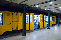 HUN, Ungarn, Budapest, Stadtteil Pest, Zentrum: Metro, U-Bahn, Bahnhof, Station Voeroesmarty ter | HUN, Hungary, Budapest, Pest District, centre: underground, station at Voeroesmarty Square