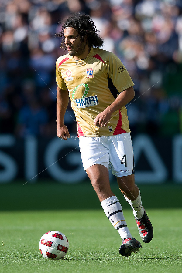 MELBOURNE, AUSTRALIA - DECEMBER 27: Nikolai Topor-Stanley of the Jets runs with the ball during the round 20 A-League match between the Melbourne Victory and the Newcastle Jets at AAMI Park on December 27, 2010 in Melbourne, Australia. (Photo by Sydney Low / Asterisk Images)