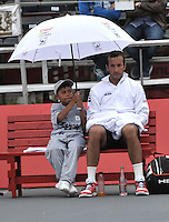 BOGOTA- COLOMBIA 24-07-2015: Radek Stepanek de Republica Checa, se resguarda de la lluvia durante partido del ATP Claro Open Colombia de Tenis en las canchas del Centro de Alto rendimiento en Altura en la ciudad de Bogota. / Radek Stepanek of  Czech Republic, is sheltered from rain during a match to the ATP Claro Open Colombia of Tennis in the courts of the High Performance Center in Altura in Bogota City. Photo: VizzorImage / Luis Ramirez / Staff.