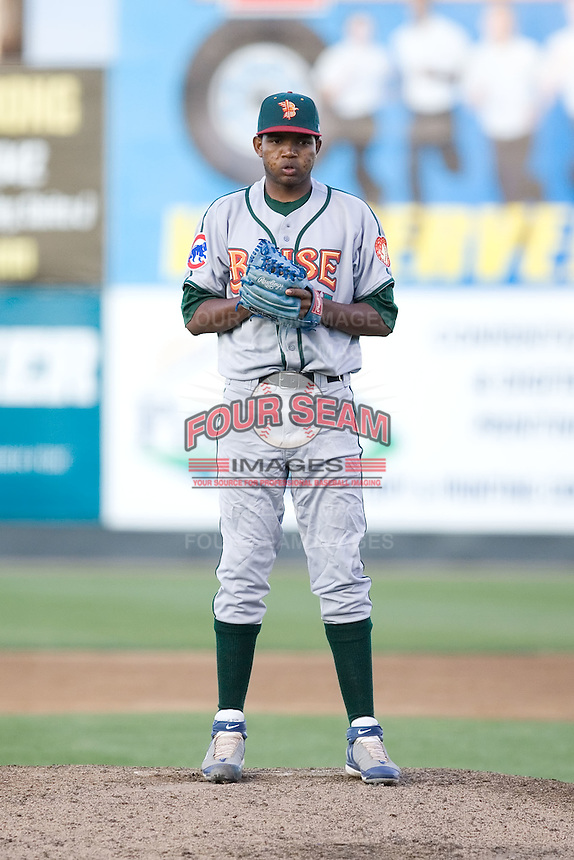 June 25, 2008: The Boise Hawks' Harol Tolentino throws in relief during a Northwest League game against the Everett AquaSox at Everett Memorial Stadium in Everett, Washington.