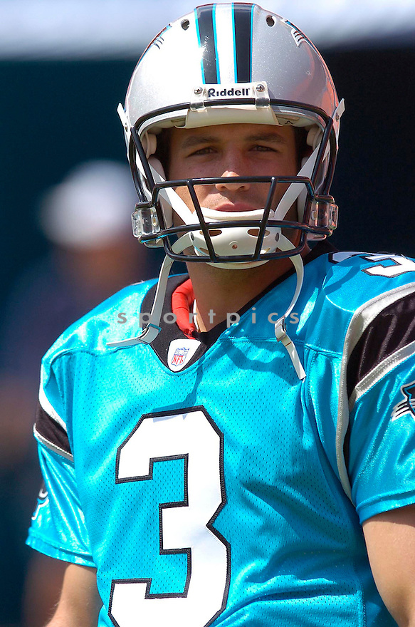 Stefan LeFors, of the Carolina Panters, during their game against the Miami Dolphins of September 25, 2005....Dolphins win 27-24..Chris Bernacchi / SportPics