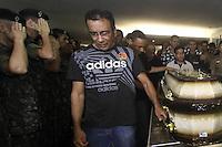 Rio de  janeiro,22 de junho de 2012- O corpo do aluno do curso de forma&ccedil;&atilde;o de sargentos Vin&iacute;cius Figueira Benedicto Eug&ecirc;nio , morto a&acute;pos expls&atilde;o no campo de instru&ccedil;&atilde;o do Ex&eacute;rcitoem Camboat&eacute;, Deodoro (zona oeste do Rio), &eacute; enterrado no fim da manh&atilde; dessa sexta-feira (22) , no cemit&eacute;rio do Caju, zona norte da capital  fluminense.<br /> Guto Maia / Brazil Photo Press