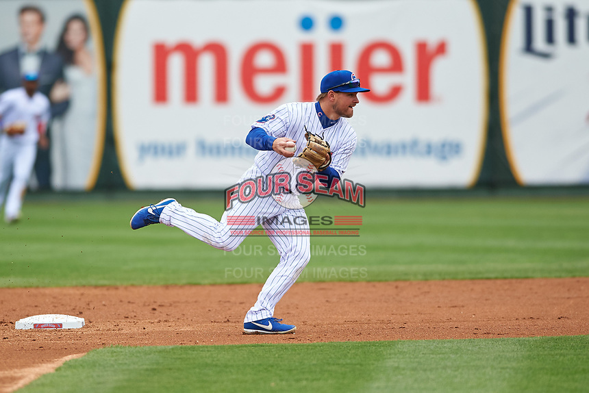 South Bend Cubs second baseman Levi Jordan (5) prepares to throw to first base during a Midwest League game against the Cedar Rapids Kernels at Four Winds Field on May 8, 2019 in South Bend, Indiana. South Bend defeated Cedar Rapids 2-1. (Zachary Lucy/Four Seam Images)