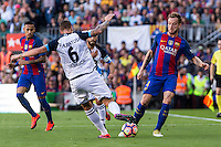 Deportivo de La Coru?a's Raul Albentosa and FC Barcelona's Ivan Rakitic during the La Liga match between Futbol Club Barcelona and Deportivo de la Coruna at Camp Nou Stadium Spain. October 15, 2016. (ALTERPHOTOS/Rodrigo Jimenez) NORTEPHOTO.COM