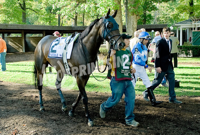 Nicole H before The Endine Stakes at Delaware Park on 10/13/12