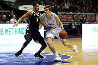 GRONINGEN - Basketbal, Donar - Apollo Amsterdam, Martiniplaza,  Dutch Basketbal League, seizoen 2018-2019, 11-11-2018,  Donar speler Tim Hoeve met Apollo speler Dennis Hope