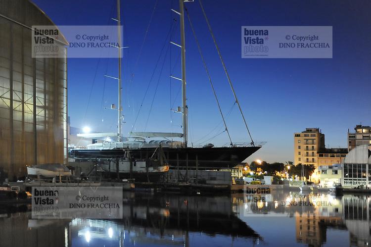 - Viareggio (Toscana), cantiere navale Perini<br /> <br /> - Viareggio (Tuscany), Perini shipyard