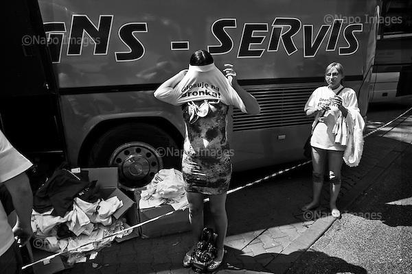 Warsaw 13 June 2010 Poland <br /> Presidential Elections. The presidential campaign of Bronislaw Komorowski, temporarily Acting President. An electoral picnic in Warsaw's park.<br /> (Photo by Filip Cwik / Newsweek Poland / Napo Images)<br /> <br /> Warszawa 13 czerwiec 2010 Polska<br /> Wybory prezydenckie. Kampania wyborcza Marszalka Sejmu Bronislaw Komorowski pelniacego obowiazki Prezydenta Rzezczpospolitej Polskiej.<br /> n/z piknik wyborczy w parku miejskim.<br /> (fot. Filip Cwik / Newsweek Polska / Napo Images)