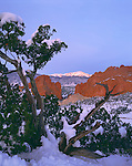 Pikes Peak, Garden of the Gods, Rocky Mountains, Colorado, Colorado Springs, fourteener, winter, snow