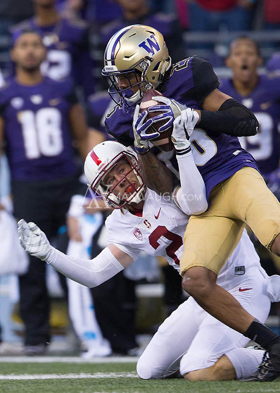 Sidney Jones picks off a pass, but the play was called back after two penalties on the Huskies.