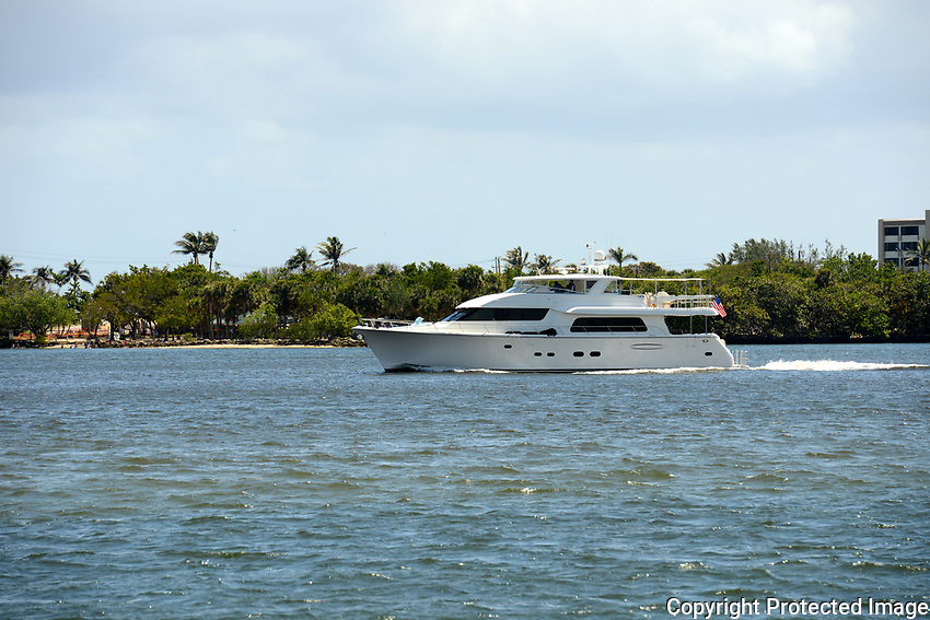 Beautiful yacht cruising the intracoastal waterway near Boynton Beach, Florida. For me it is only a dream and so I named the picture <br />