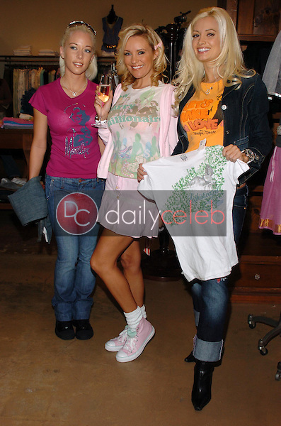 Kendra Wilkinson with Bridget Marquardt and Holly Madison<br />