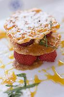 Europe/France/Bretagne/35/Ille et Vilaine/Cancale:Dentelle de fraises de chez Mr Pichot  au restaurant  de  La Maison de la Marine Hotel de Charme-Restaurant