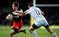 Photo: Richard Lane/Richard Lane Photography. Saracens v Worcester Warriors. Aviva Premiership London Double Header. 28/11/2015. Saracens' Chris Wyles attacks.