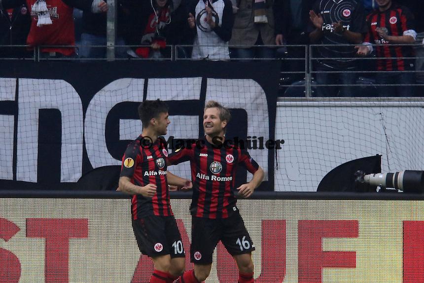 Vaclav Kadlec (Eintracht) jubelt ueber sein Tor zum 1:0 mit Stefan Aigner - 1. Spieltag der UEFA Europa League Eintracht Frankfurt vs. Girondins Bordeaux