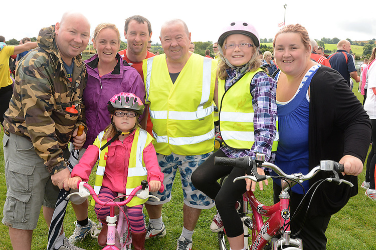 Benny Duff and family who took part in Tiaran's 5K run at Hunterstown. Photo:Colin Bell/pressphotos.ie