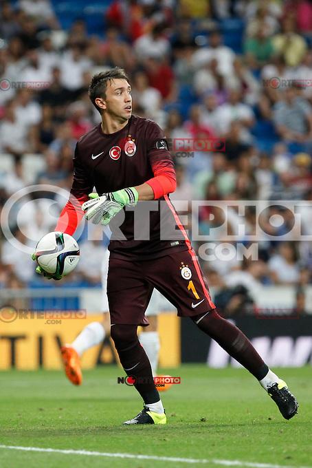 Galatasaray´s Fernando Muslera during Santiago Bernabeu Trophy match at Santiago Bernabeu stadium in Madrid, Spain. August 18, 2015. (ALTERPHOTOS/Victor Blanco)