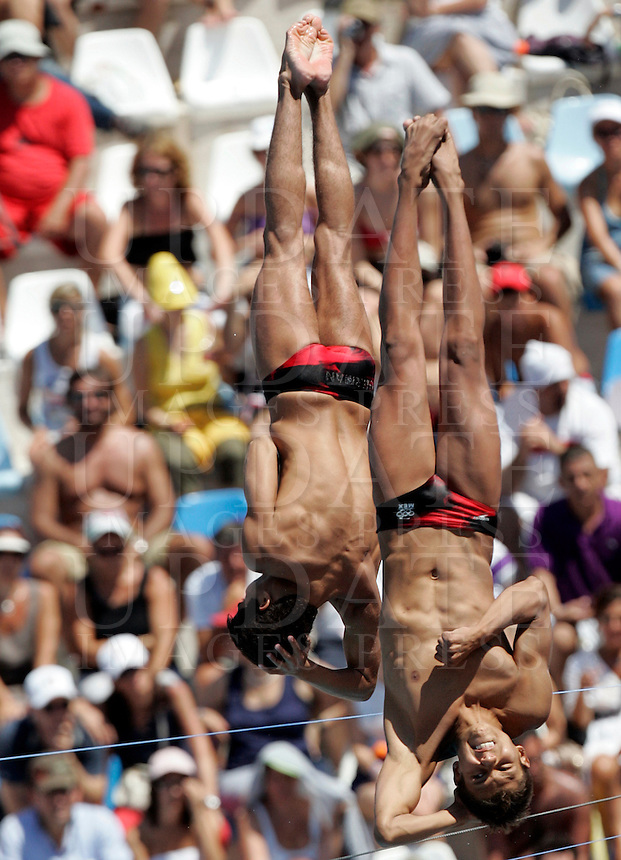 Mexico's Ivan Garcia and German Sanchez compete in the men 10m synchro platform diving finals at the Swimming World Championships in Rome, 25 July 2009..UPDATE IMAGES PRESS/Riccardo De Luca