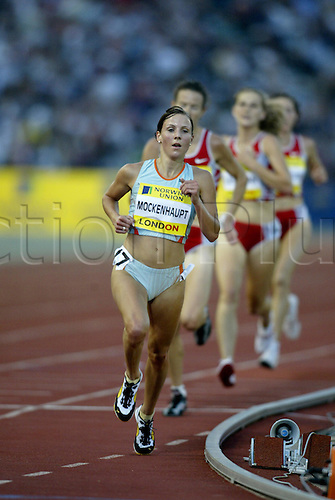 August 08, 2003: SABRINA MOCKENHAUPT (GER) running in the  Women's 5000m. Norwich Union London Grand Prix, Crystal Palace. Photo: Glyn Kirk/Action Plus...Athletics track and field 030808 woman distance runner running