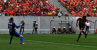 SÃO LOURENÇO DA MATA,PE,29.11.2015-SPORT-CORINTHIANS- Gol de Matheus Ferraz do Sport durante partida contra o Corinthians, jogo válido pela 37ª rodada do Campeonato Brasileiro 2015, na Arena Pernambuco, região metropolitana do Recife, neste domingo, 29. (Foto: Jean Nunes/Brazil Photo Press)