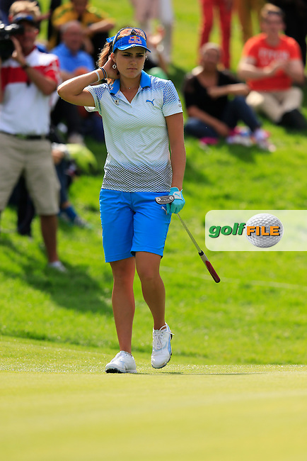 Lexi Thompson (USA) takes her putt on the 14th green during Sunday's Final Round of the LPGA 2015 Evian Championship, held at the Evian Resort Golf Club, Evian les Bains, France. 13th September 2015.<br /> Picture Eoin Clarke | Golffile