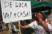 Manifestazioni di protesta  contro Vincenzo De Luca per la decisione di annulare la prima seduta del Consiglio a causa della sospensione del neoeletto presidente <br /> nella foto