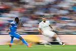 Karim Benzema (R) of Real Madrid in action during the La Liga 2018-19 match between Real Madrid and Getafe CF at Estadio Santiago Bernabeu on August 19 2018 in Madrid, Spain. Photo by Diego Souto / Power Sport Images