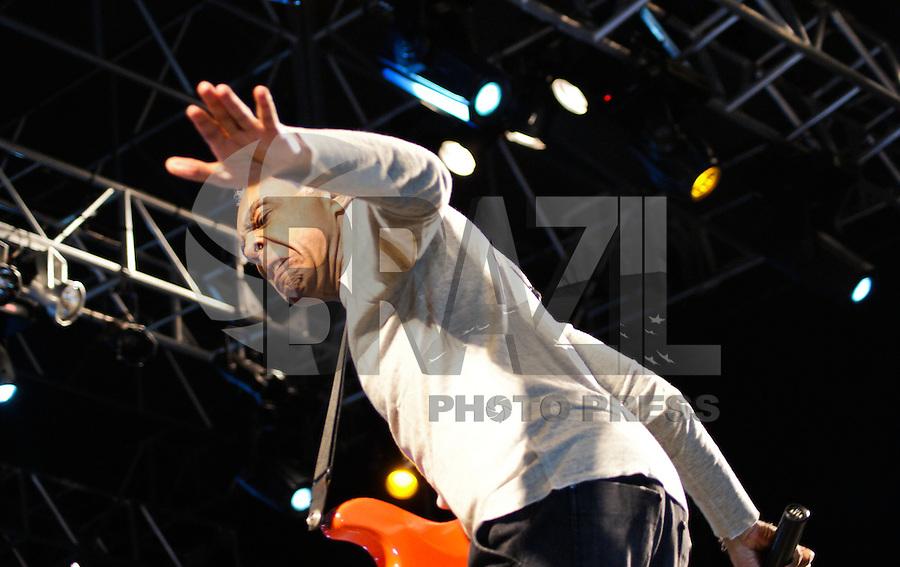 SAO PAULO, SP, 06 DE MAIO DE 2012 – VIRADA CULTURAL 2012 – O cantor Gilberto Gil durante apresentacao no palco Julio Prestes, na oitava edicao da Virada Cultural na regiao central da capital paulista, neste domingo, 06. (FOTO: DEBBY OLIVEIRA / BRAZIL PHOTO PRESS).