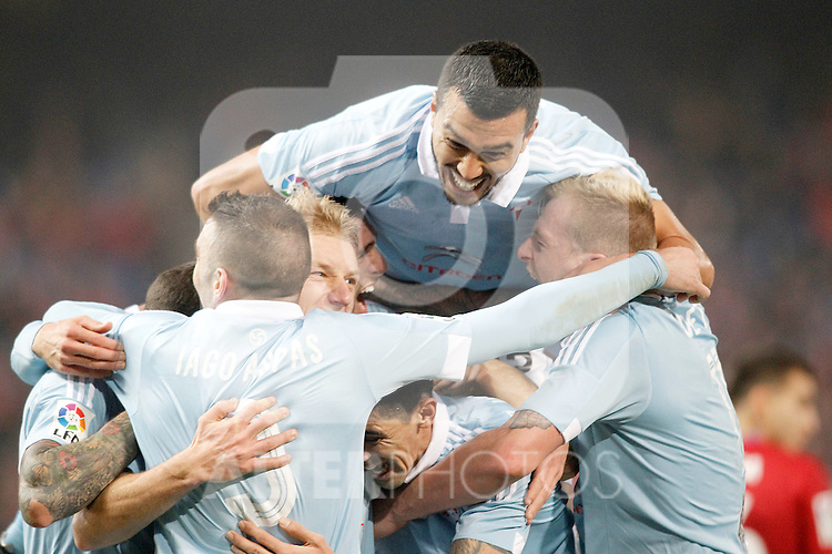 Celta de Vigo's Gustavo Cabral celebrates with his partners during Spanish Kings Cup match. January 27,2016. (ALTERPHOTOS/Acero)