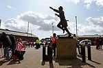 Sunderland fans take a selfie with Bob Stokoe. Sunderland 2 Portsmouth 1, 17/08/2019. Stadium of Light, League One. Photo by Paul Thompson.