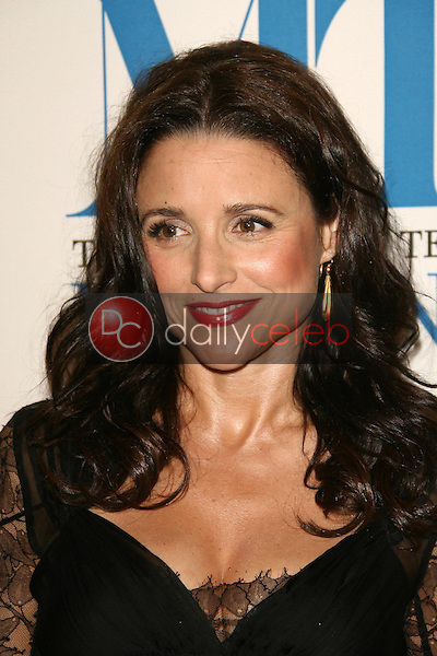 Julia Louis-Dreyfus<br />at The Museum of Television & Radio's Annual Los Angeles Gala. Regent Beverly Wilshire Hotel, Beverly Hills, CA. 10-30-06<br />Dave Edwards/DailyCeleb.com 818-249-4998