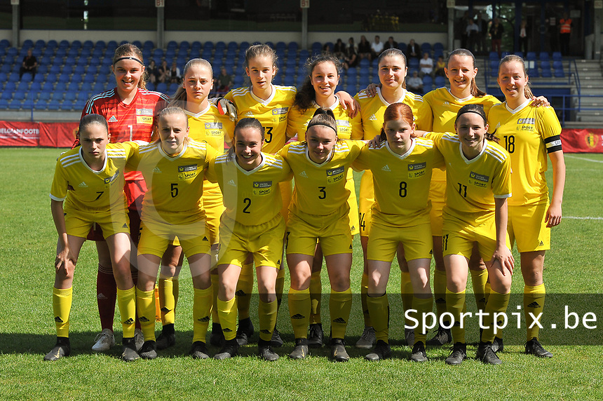 20190422 - Denderleeuw, BELGIUM : team of the Yellow Flames pictured during the final of the Under 16 Belgian Cup 2019, a soccer game between AA GENT Ladies B and The Yellow Flames1.0 , in the Van Roystadion in Denderleeuw , Monday 22 th April 2019  , PHOTO SPORTPIX.BE / DIRK VUYLSTEKE