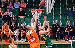 S&ouml;dert&auml;lje 2014-10-01 Basket Basketligan S&ouml;dert&auml;lje Kings - Norrk&ouml;ping Dolphins :  <br /> S&ouml;dert&auml;lje Kings Carl Engstr&ouml;m p&aring; v&auml;g att g&ouml;ra po&auml;ng i kamp om bollen med Norrk&ouml;ping Dolphins Joakim Kjellbom <br /> (Foto: Kenta J&ouml;nsson) Nyckelord:  S&ouml;dert&auml;lje Kings SBBK T&auml;ljehallen Norrk&ouml;ping Dolphins