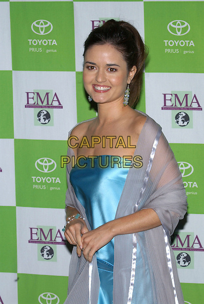 DANICA McKELLAR.14th Annual Environmental Media Association Awards held at the Wilshire Ebell Theatre..17 November 2004 .half length, strapless, chiffon, sheer shawl, wrap.www.capitalpictures.com.sales@capitalpictures.com.© Capital Pictures.