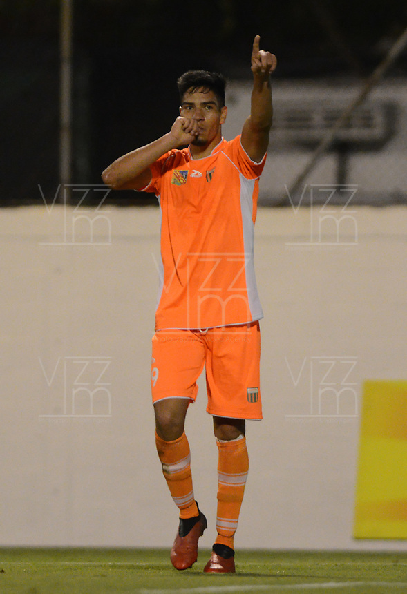 ENVIGADO-COLOMBIA- 13-03-2017. Michael  Gomez jugador del Envigado FC celebra su gol contra Jaguares. Acción de juego entre el Envigado FC y Jaguares durante encuentro  por la fecha 9 de la Liga Aguila I 2017 disputado en el estadio Polideportivo Sur./ Michale Gomez Player of Envigado FC celebrates his goal agaisnt Jaguares.Action game between  Envigado FC and Jaguares FC during match for the date 9 of the Aguila League I 2017 played at Polideportivo Sur stadium . Photo:VizzorImage / León Monsalve / Contribuidor