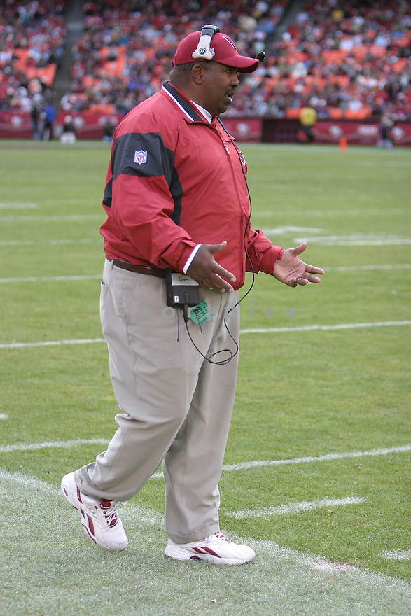 Dennis Green, of the Arizona Cardinals, in action during thier game against the San Francisco 49ers on December 4, 2005..Rob Holt / SportPics..Cardinals win 17-10